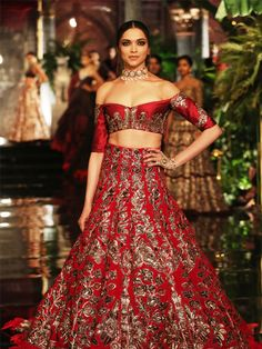Fawad Khan And Deepika Padukone Set The Ball Rolling For India Couture Week 2016