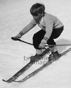 Snowboard, Martin Munkacsi, Winter Images, Alpine Skiing, Vintage Ski, Alps, Old School, Mountains, Lifestyle