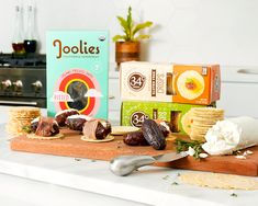 Stuff a Joolies Date with goat cheese then wrap in prosciutto, it's the perfect pairing to enjoy on a 34 Degrees Crisp. Dairy Free Cheese, Starbucks Drinks, Savory Snacks, Holiday Dinner, Prosciutto, Sweet And Salty, Nut Free, 4 Ingredients, Cravings