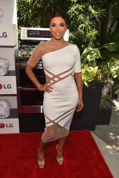 Eva Longoria Photos - Eva Longoria and LG Electronics Host LG 'Fam To Table' Series - Zimbio