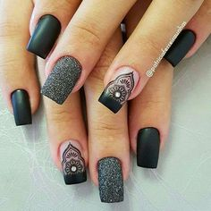 Unhas de porcelana: a solução para unhas quebradiças, You can collect images you discovered organize them, add your own ideas to your collections and share with other people. Trendy Nail Art, New Nail Art, Black Nails, Pink Nails, Tumblr Nail Art, Nail Designer, Glitter Nail Art, Black Glitter, Foil Nails