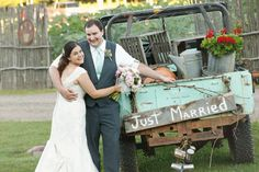 Just married vintage truck   Dixon's Apple Orchard and Wedding Venue