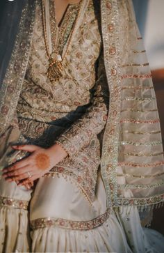 Best Trendy Outfits Part 31 Nikkah Dress, Shadi Dresses, Pakistani Formal Dresses, Pakistani Dress Design, Indian Dresses, Indian Outfits, Pakistani Fashion Party Wear, Pakistani Wedding Outfits, Pakistani Wedding Dresses