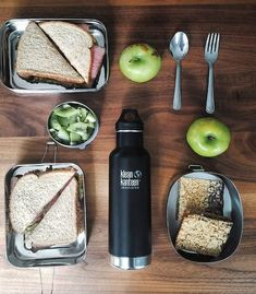 Sustainable travel essentials. It is possible to travel and be eco friendly! Go to @state_of_ruin for all of the product details. #eco-friendlyliving