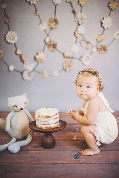 One Year Cake Smash. Vintage Love. Simple Cake. Girl's Cake Smash. Makayla Rae Photography.