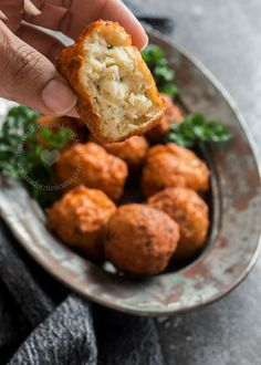 You and your guests will love these juicy Cod Fishballs. Serve with avocado mayo as party food, or with mashed potatoes as dinner.