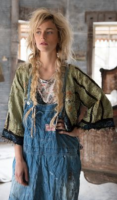 Fall 2018 Collection - Magnolia PearlYou can find Magnolia pearl and more on our website. Estilo Indie, Estilo Hippy, Hippie Style Clothing, Hippie Outfits, Shabby Chic Clothing, Bohemian Clothing, Magnolia Pearl, Bohemian Mode, Bohemian Style
