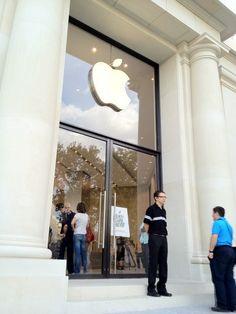 Apple Store Fifth Avenue Interior
