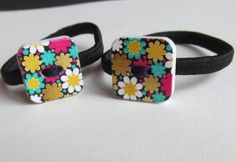 Square Button Bobbin or Pony tail holder by Buttonnuthin on Etsy Flower Prints, Hand Stitching, Ponytail, Sunglasses Case, Baby Shoes, Hair Accessories, Buttons, Band, Metal