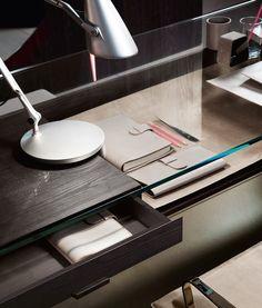 GRAYE-LA: glass desk drawer detail