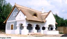 Nádtetős parasztház