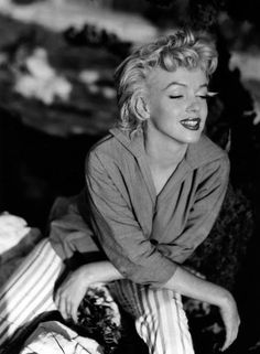 Marilyn Monroe, originally Norma Jean Baker, , the Hollywood film actress. Get premium, high resolution news photos at Getty Images Marylin Monroe, Fotos Marilyn Monroe, Classic Hollywood, Old Hollywood, Ted, Norma Jeane, Brigitte Bardot, American Actress, Movie Stars