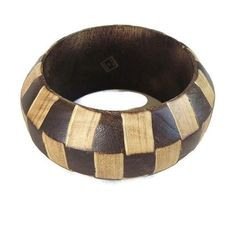 This is an awesome #Vintage Boho Inset Mixed Wood Bangle Bracelet - Checkerboard!  This bracelet is super cool with its #checkerboard wood design.  It's also wide and chunky!... #vintage #jewelry #ecochic #vogueteam ➡️ http://jto.li/4BGqj