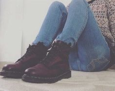 this colour of the dr martens is really cool