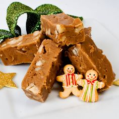 Dreamy Creamy Gingerbread Fudge: Two Ways    http://thelunacafe.com/dreamy-creamy-gingerbread-fudge-two-ways/
