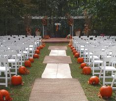 Pumpkins down the aisle at the wedding..perfect for a fall wedding Line the aisle with pumpkins; whether plain, carved with candles inside, or hollowed out with flowers, this can turn out beautiful!