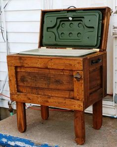 Pallet Outdoor Cooler - 20 Recycled Pallet Ideas - DIY Furniture Projects | 101…