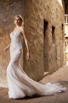 We love a trumpet silhouette because it highlights your curves in a graceful and stylish way. Get ready to walk down the aisle in our gorgeous #Faith! This wedding dress has everything for the modern bride. Click for more info #weddinggowns #weddingdresses #weddingguide #trumpetweddingdress #sweatheartdress Groom Accessories, Wedding Hair Accessories, Wedding Dress Train, Wedding Gowns, Welcome To Our Wedding, Heart Dress, Dress Silhouette, Trumpet, Trains