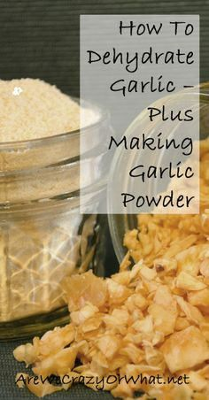 How To Dehydrate Garlic — Plus Making Garlic Powder Step by step instructions on how to dehydrate garlic and then make garlic powder. Includes tips for peeling garlic and storing dehydrated garlic in addition to garlic powder. Cocina Natural, Canned Food Storage, Homemade Seasonings, Dehydrator Recipes, Canning Recipes, Canning Tips, Garlic Powder, Fruits And Veggies, Diy Food