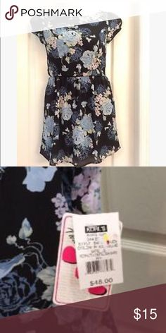 Three pink hearts Trixxi Junior summer dress/shirt Three pink hearts Trixxi Junior summer dress/shirt! Floral summer dress with cat sleeves and back has a slight v shape(: size 3! Make offer now !(: 💕 Trixxi Dresses Mini