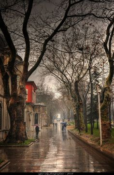 Eyüp Sultan Mehterane in front of / İstanbul Eyüp front istanbul mehterane stanbul sultan 681380618608124535 Beautiful Streets, Beautiful Places, Cool Backgrounds For Iphone, Rain Wallpapers, I Love Rain, Rain Painting, Rain Days, Romantic Things To Do, Rain Photography