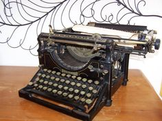Typewriter 1917 Underwood by daisytoad on Etsy, $102.00