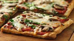 PIZZA: HONGOS, RUCULA Y PARMESANO