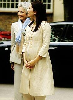 europeanmonarchies:  Crown Princess Mary pregnancy fashion