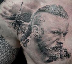 tatouage ragnar par stephane bueno de Black Corner Tattoo Valence France #tattoo #tattooart #ink #inked #ragnar #portrait #realistictattoo #realism #blackandgreytattoo #travis #travisfimmel #fimmel