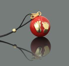 Χειροποίητο Κόσμημα εγκυμοσύνης Bola – Κόκκινο με χρυσά πατουσάκια->Κοσμήματα- μουσικά μενταγιόν εγκυμοσύνης bola (με πολύτιμα υλικά) - Pregnancy Gifts - Εγκυμοσύνη, Μητρότητα, Βρεφικά είδη & Βάπτιση - www.pregnancy-gifts.gr