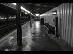 DJ Shadow - Midnight In A Perfect World (1996)