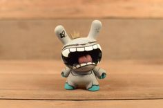 Frank Montano's BLIZZARDBEAST 3″ DUNNY | The Toy Chronicle