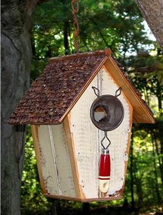 Recycled birdhouse!