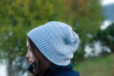 You're going to love the crochet Løv Slouchy Beanie, because it's so fun & textured. It also come in sizes from months to adult man. Newborn Crochet, Crochet Baby Hats, Crochet Beanie, Free Crochet, Knitted Hats, Easy Crochet Patterns, Knitting Patterns, Hat Patterns, Crochet Ideas