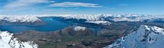 A view over Lake Wakatipu and Queenstown from the top of the Remarkables