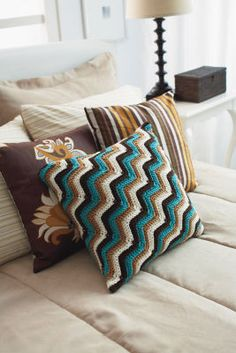 New Adventures Loops & Threads® Impeccable™ Sideways ZigZag Pillow (Crochet)
