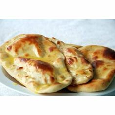 Foolproof recipe for making Naan Bread. Buy ingredients to make Naan Bread online from Spices of India - The UK& leading Indian Grocer. Free delivery on Naan Bread Ingredients (conditions apply). Recipes With Naan Bread, Gf Recipes, Dairy Free Recipes, Indian Food Recipes, Real Food Recipes, Cooking Recipes, Vegetarian Recipes, Cooking Tips, Spinach Recipes