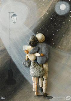 Stone Pictures Pebble Art, Stone Art, Cork Crafts, Paper Crafts, Beach Rock Art, Art Pierre, Pebble Art Family, Rock Sculpture, Rock And Pebbles