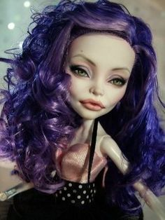 Monster High repaint. @Nakisha Tia Smith, thought you would want to see this!!