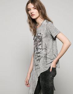 Bershka France - T-shirt asymétrique imprimé fleurs