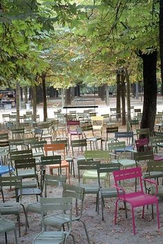 Portable, simple, classic seating in the Jardin du Luxembourg, Paris. Visit the slowottawa.ca boards >> www.pinterest.com/slowottawa