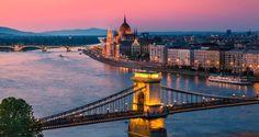1η μέρα Αθήνα - Βουδαπέστη Συγκέντρωση στο αεροδρόμιο και αναχώρηση για το «μαργαριτάρι του Δούναβη» την Βουδαπέστη. Άφιξη, παραλαβή από τους αντιπροσώπους μας, μεταφορά και τακτοποίηση στο ξενοδοχείο. Απόγευμα ελεύθερο και σας προτείνουμε να απολαύσετε τον καφέ σας στο φημισμένο καφέ Ζερμπό με τον πλούσιο διάκοσμο ή να περιπλανηθείτε στο πεζόδρομο Βάτσι Ούτσα με ποικιλία απο καταστήματα, καφέ και εστιατόρια. 2η μέρα Βουδαπέστη (ξενάγηση πόλης) Πρόγευμα και σήμερα θα ξεναγηθούμε...