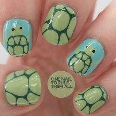 When it comes to creating animal nail art designs, Alice from One Nail to Rule Them All knows how to create a balanced look. Instead of painting all her nails the same, she created two small turtles and paired them with shell designs. She used a blue base which not only looks like water, but complements her shades of green nicely.