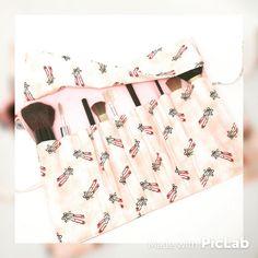 Estojo porta pincéis de maquiagem com 12 divisórias: encomenda pronta! #estojo #pinceis #maquiagem #portapinceis #make #makeup #ballet #bailarinas #sapatilhas #sobencomenda #rosa