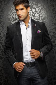 - Stylish Purple Blue Blazer for the Elegant Men - Integrated Contrasting Pocket Square - Material: Viscose Velvet - Made in Turkey, Ship from Montreal.  View Signature Designer Style Cufflinks at https://premiumcuffs.com
