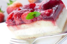 Genießen Sie leckeren Kuchen bei Sonnenschein auf unserer Terrasse. Bad Bevensen, Hotel Berlin, Panna Cotta, Cheesecake, Ethnic Recipes, Desserts, Food, Terrace, Yummy Cakes