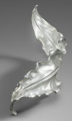 Theresa Nguyen - A Silver Leaf. Hand Forged and Chased. Metal Clay Jewelry, Leaf Jewelry, Jewelry Art, Silver Jewelry, Jewelry Design, Sculpture Metal, Precious Metal Clay, Modern Jewelry, Sterling Silver Bracelets