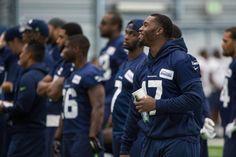 Seahawks Mobile: http://yi.nzc.am/cR0I8m