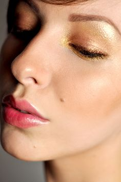 I love this makeup by one of my favorite fashion + beauty blogger, Keiko Lynn. Makeup Monday: Bronze Goddess
