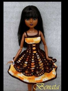 No pattern. Beautiful Dress. Where can I order this doll? Gorgeous!